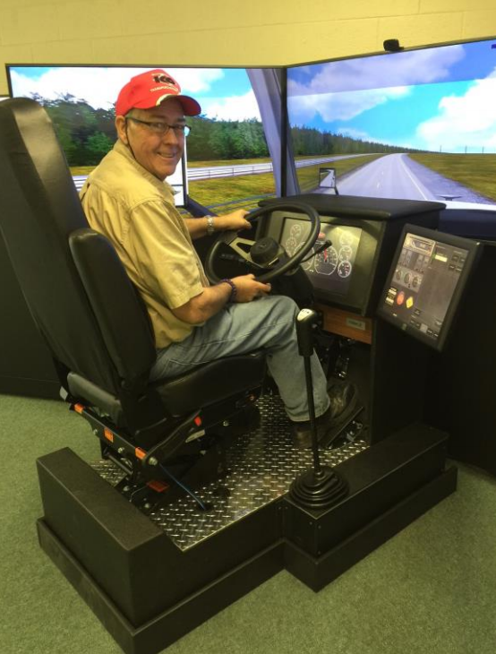 Benefits of truck driving simulator according to NAPFTDS Truck driving school